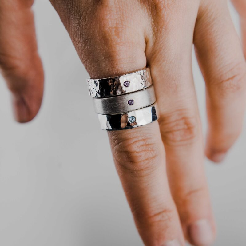 Конструктор серебряных колец с камнями